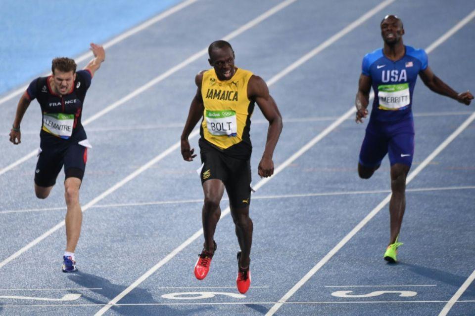 Lemaitre-bolt-vainqueur-du-200-m-et-christophe-lemaitre-g-medaille-de-bronze-lors-des-jo-de-rio-le-18-a