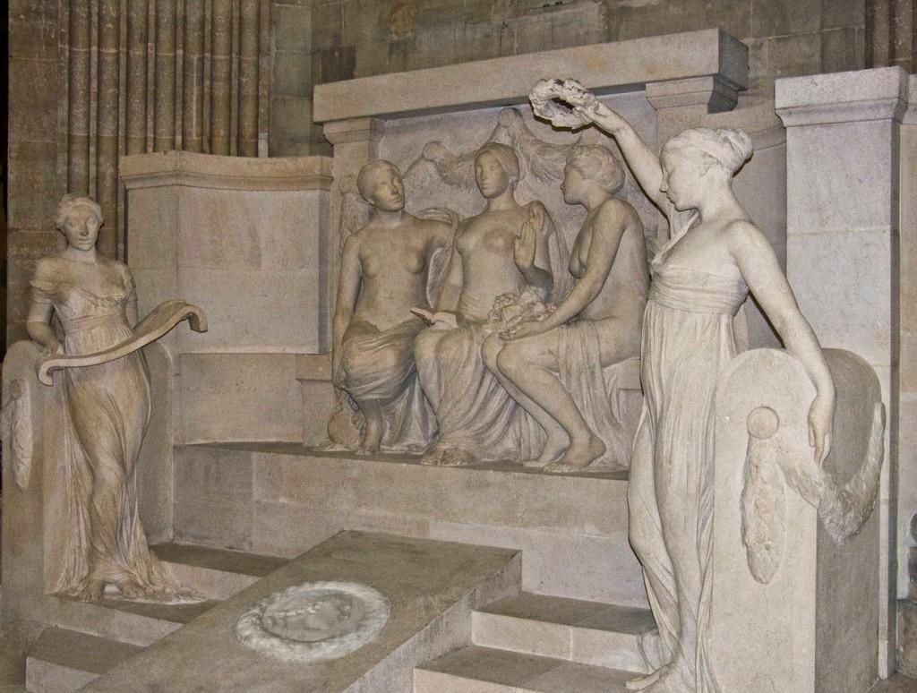 RousseauSculpture